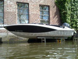 vrijstaande hydraulische bootlift